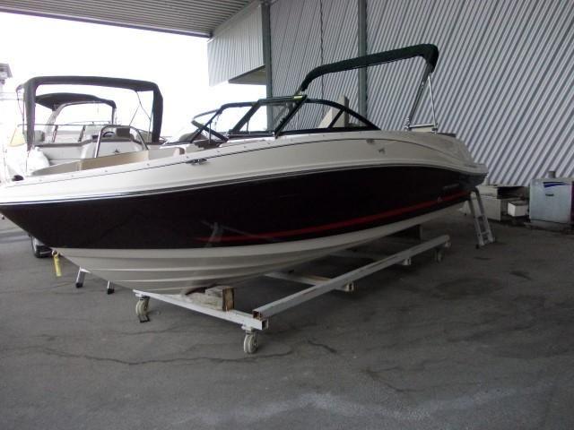 Bayliner VR 5 E  Vorfhrboot