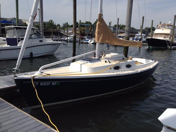 W. D. Schock Harbor 25 Profile