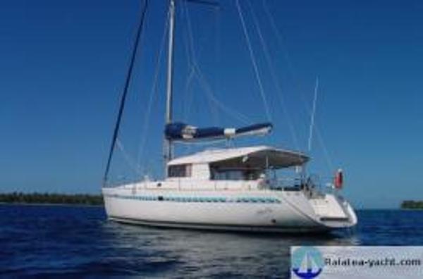 Dufour Atoll 43