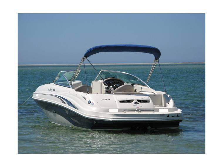 Sea Ray Sea Ray 220 Sundeck