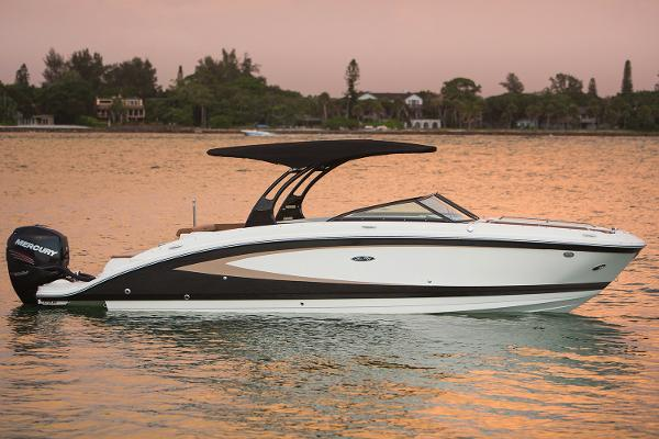 Sea Ray SDX 270 Outboard Manufacturer Provided Image