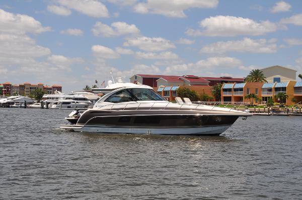 Formula 45 Yacht Crusin Susan Fore!