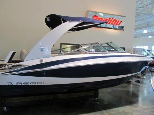 Regal 2300 RX Bowrider with 270 HP