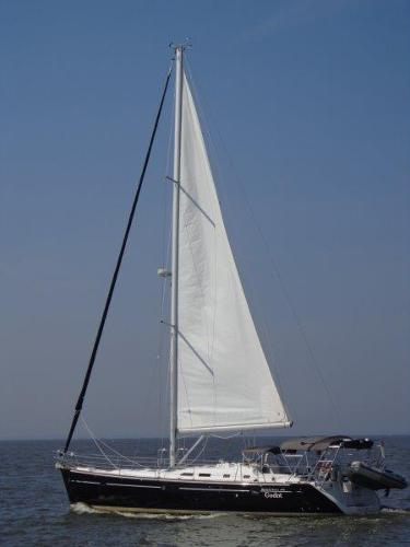 Beneteau 473 Looking Proud