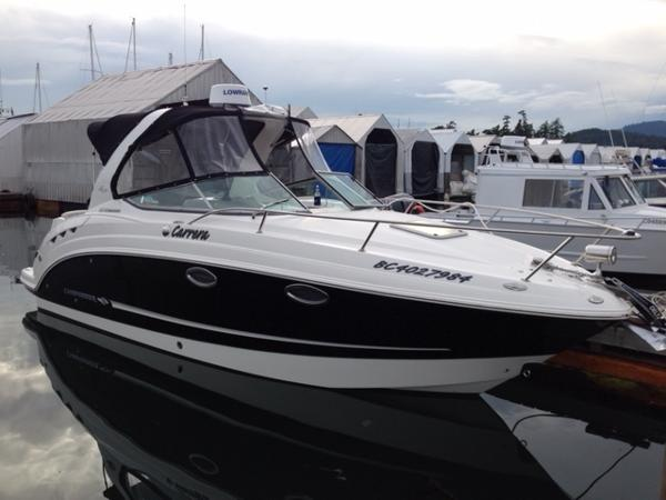 Chaparral 270 Signature At the dock
