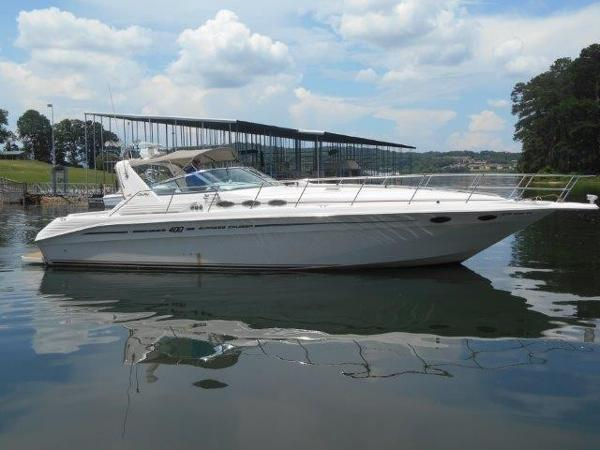 Sea Ray 400 Express Cruiser Profile