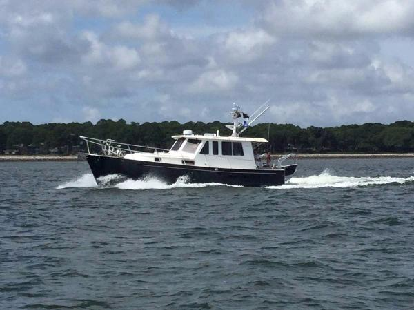 Legacy Yachts 34 Sedan
