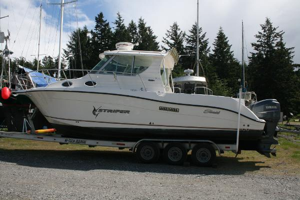 Seaswirl Striper 2901 Walkaround O/B Profile
