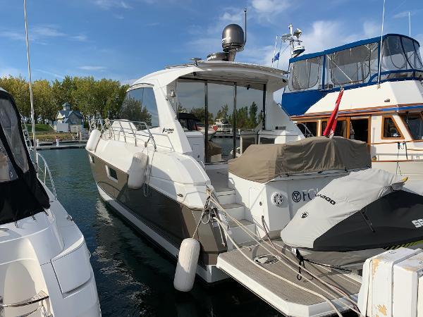 Cruisers Yachts Cantius 48