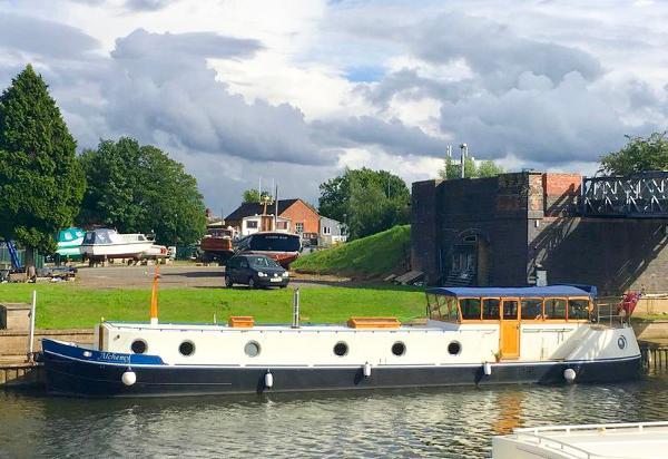 Lambon 68 Dutch Barge
