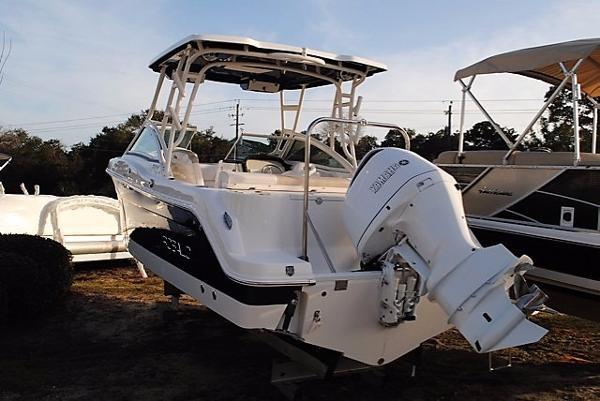 Robalo R247 Dual Console 2017-Robalo-R247-Dual-Console-Boat-for-sale