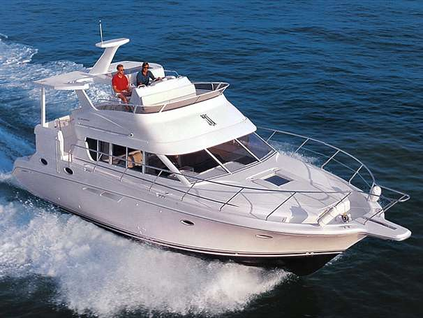 Silverton 442 Cockpit Motor Yacht Manufacturer Provided Image