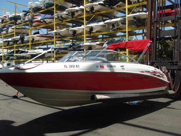 Yamaha Sport Boat SX230HO Port Profile
