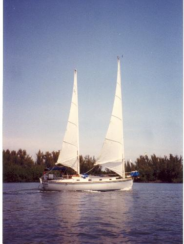 Herreshoff 33 Cat Ketch Dream Weaver Under Sail
