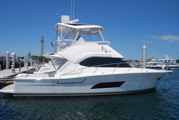 Riviera 43 FB Sister Ship