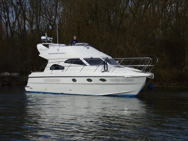 Admiral 377 Flybridge