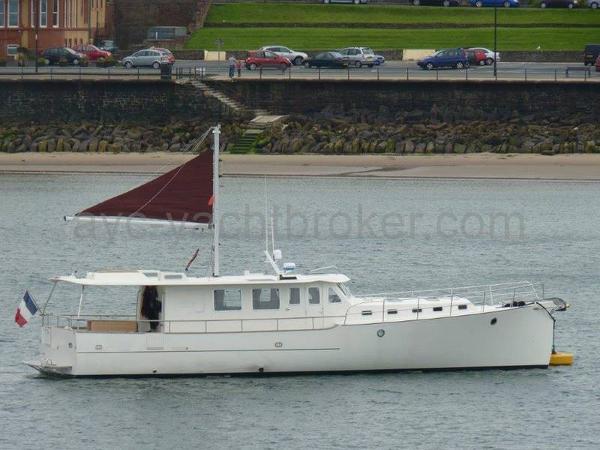 Custom MY16 TRAWLER AYC Yachtbrokers - MY16 TRAWLER