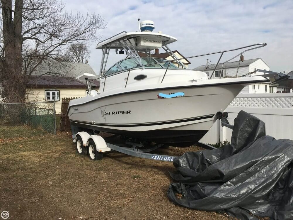 Seaswirl 2100 Striper 2001 Seaswirl 21 for sale in Valley Stream, NY