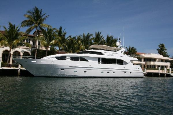 Intermarine 95 Raised Pilothouse