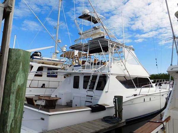 Hatteras Convertible Profile at Dock