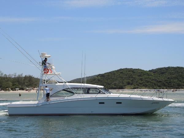 Mares Catamaran 60 Yacht Fish