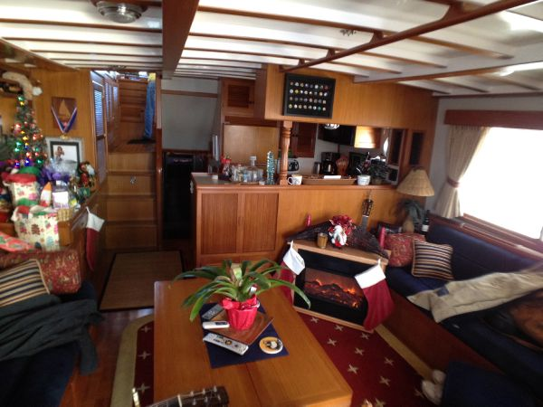 Saloon Looking Forward to Galley