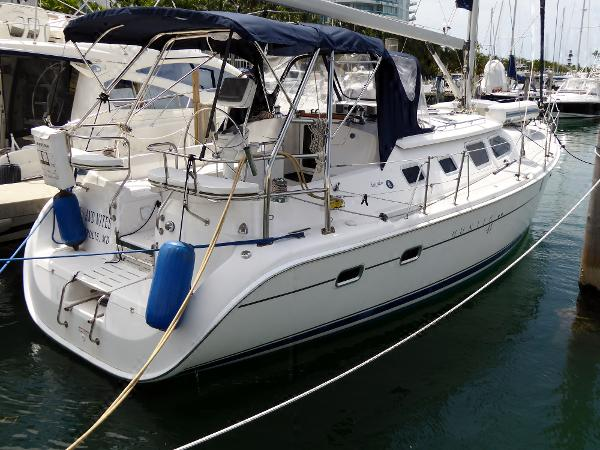Hunter 41 Deck Salon Starboard Quarter