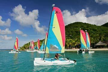 Hobie Cat Wave Club Under Sail