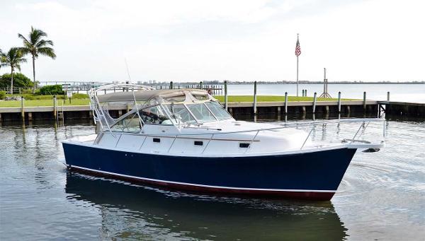Mainship Pilot Main Profile