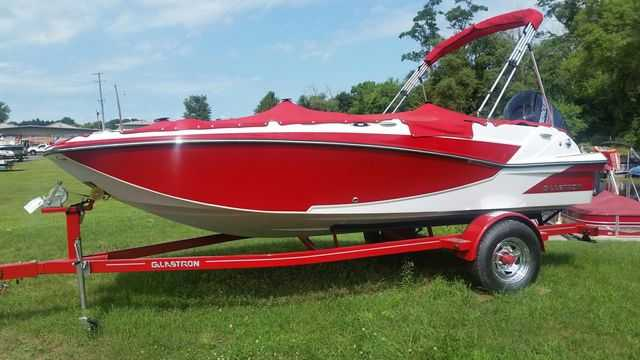 Glastron Deck boats GTD 180