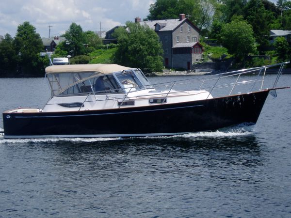 Legacy Yachts 34 Express Photo 1