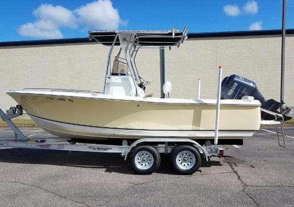 Sea Hunt 202 Triton