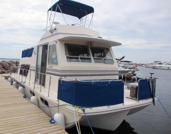 Holiday Mansion 370 Barracuda Housecruiser