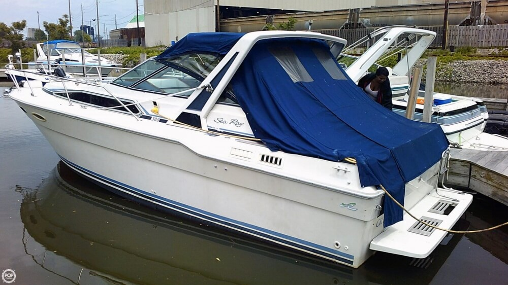 Sea Ray Sundancer SRV300 1987 Sea Ray 300 for sale in Cleveland, OH