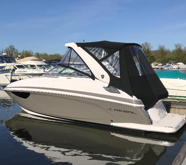 Regal 28 Express Cruiser Regal 28