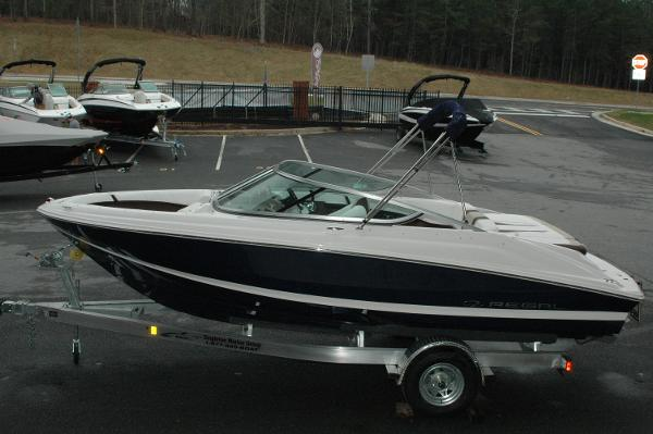 Regal 2000 ES Bowrider with 225 HP