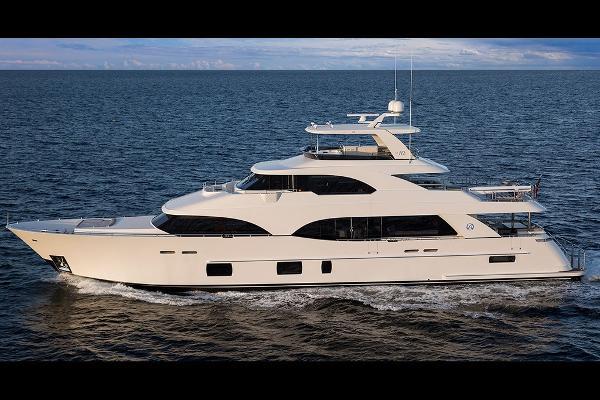 Ocean Alexander 118 Megayacht