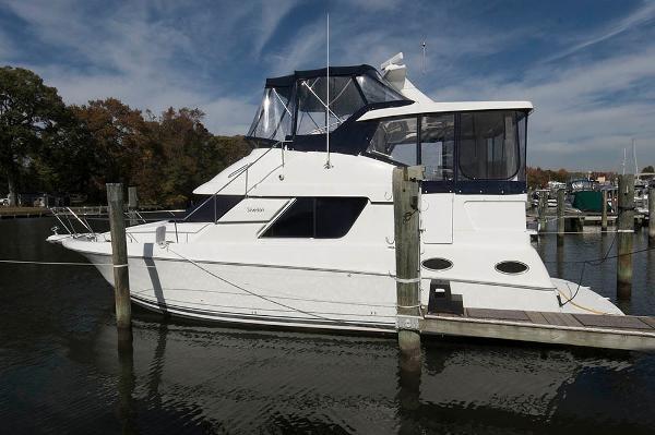 Silverton 372 Motor Yacht Profile