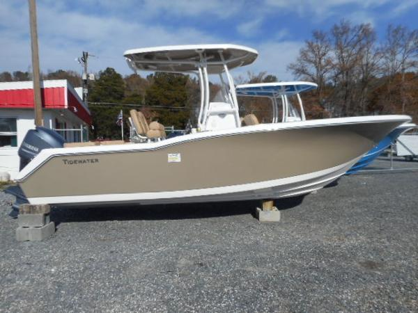 TIDEWATER BOATS 230 LXF  Clearance Left Over