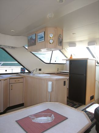 Dinette to Galley