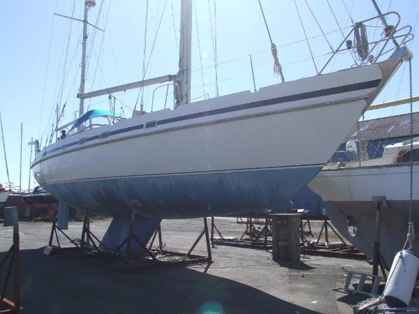 Contest 48 Ketch Ashore Starboard Side