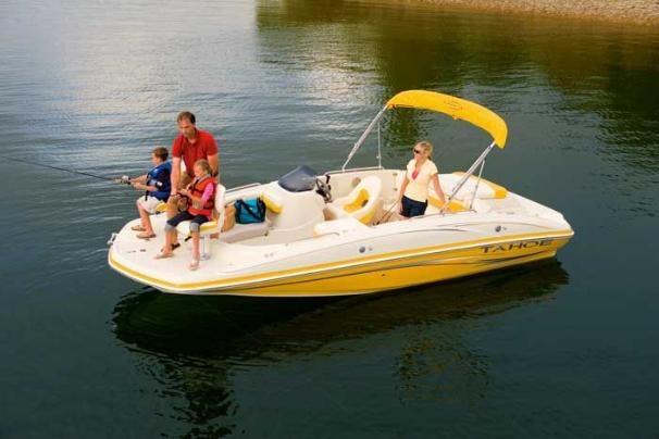 Tahoe 195 I/O Manufacturer Provided Image: A do-it-all deck boat lets you do whatever the family chooses.