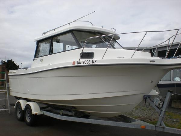 Bayliner 2359 Trophy