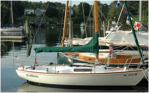 Sparkman And Stephens Sailmaster 22D Sloop Alongside
