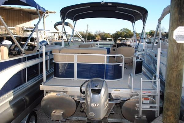 Bennington 24 SL PONTOON BOAT 2017-Bennington-24-SL-Pontoon-Boat-For-Sale