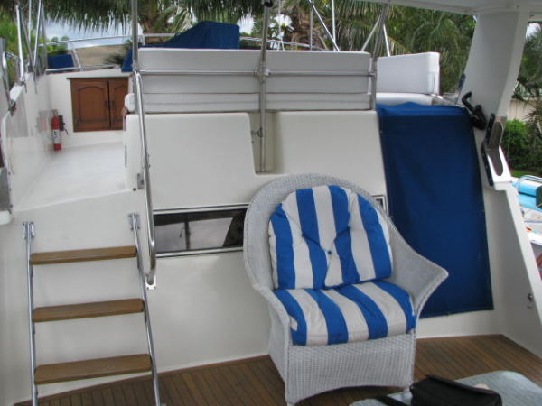 FORE DECK ON SUNDECK