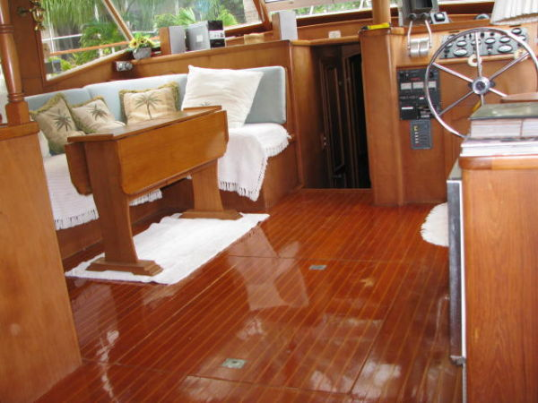 SALON FLOORING
