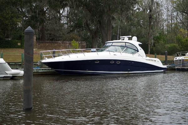 Sea Ray 420 Sundancer Portside Profile