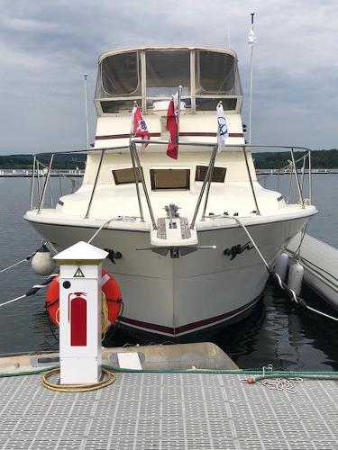 Viking 43 Aft Cabin Bow