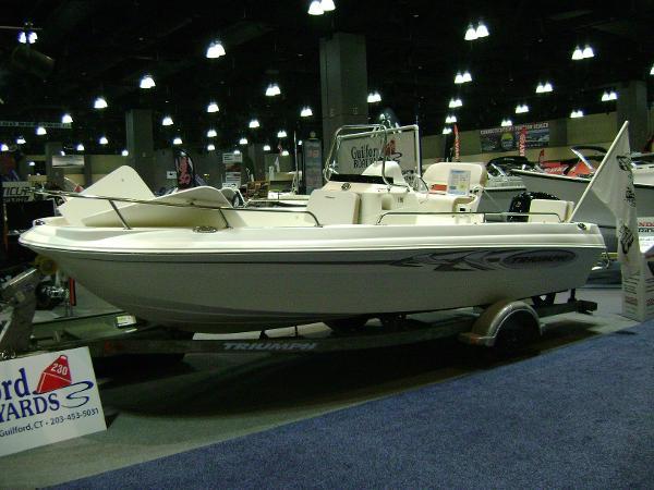 Triumph 190 Bay Triumph 190 Bay